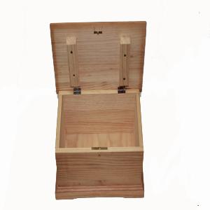 Caja de madera para decorar abierta