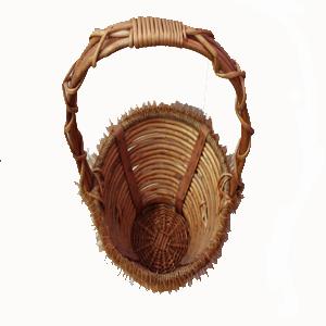 Vista superior cesta de mimbre con asa